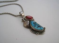 Navajo ezüst medál és lánc, valódi türkiz, korall