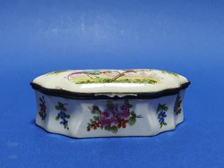 Porcelán ékszertartó dobozka
