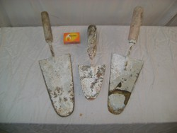 Három darab régi kőműves szerszám - simító