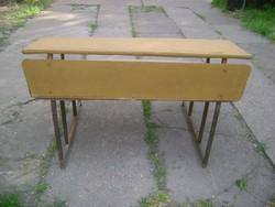 Retro csővázas iskolapad és asztal egyben
