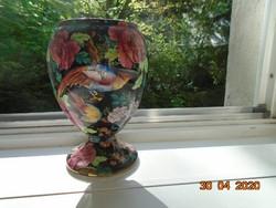 1930 GRIMWADES kézzel festett ,kézzel számozott színes madaras rózsás majolika váza fekete alapon