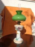 Petróleum lámpa,zöld búra, virágos festett üveg.Elegancia.