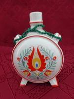 Drasche porcelán kulacs, átmérője 9 cm, népművészeti mintával.