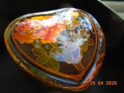 Szantálfa Kézzel festett szív alakú rózsa mintás lakk ékszertartó