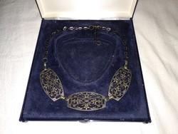 Régi ezüst színű női nyaklánc, fém ékszer