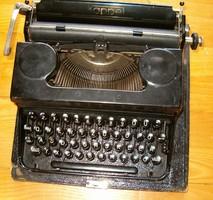Kappel ritka régi kis méretű betűket gépelő írógép