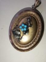 Ezüst csodálatos antik arany színű fenykeptartós medál
