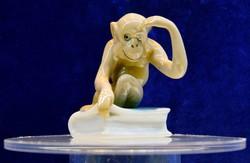 Porcelán majmocska