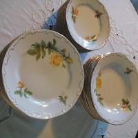 Zsolnay sárga rózsás, arany tollazott étkészlet tányérok  26 db