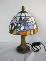 Tiffany jellegű asztali lámpa