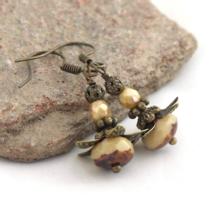 """""""ORGANZA"""" - Apró, antik bronz, virágot formázó fülbevaló ÚJ KÉZMŰVES ékszer"""
