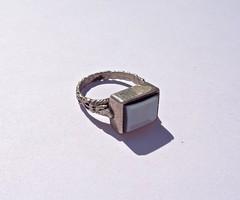 Világoskék berakásos oldalt mintás pecsét gyűrű