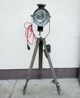 Loft, katonai reflektor tripod állványon