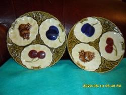 Ritka gyümölcsös majolika tányér párban!