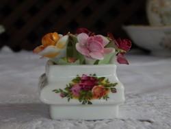 """ROYAL ALBERT """" Old Country Roses """" Angol porcelán rózsás asztali dísz"""