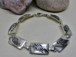 Gyönyörű  rátétes ezüst karkötő