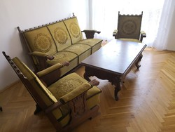 Ülőgarnitúra: kanapé és két fotel