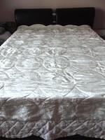 Krém selyem steppelt ágytakaró