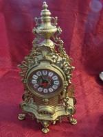 Bronz kandalló óra, kvarcóra szerkezettel, magassága 42 cm.
