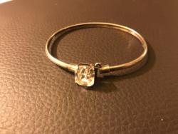 Gyönyörű, modern ezüst (925) karperec / karkötő cirkónia kővel