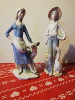 2 darab gyönyörű lánykafigura kedvencével ( 21 cm )