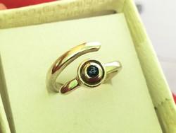 Női ezüst gyűrű zafír kővel