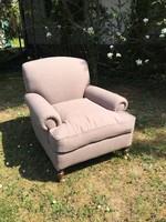 Impozáns,  len olvasó  fotel