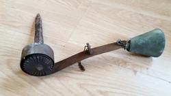 Antik kapucsengő kovácsoltvas régi kültéri csengő