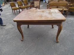 Nagy barokk étkező asztal