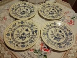 Antik, hagymamintás tányérok.