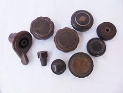 9 darab régi bakelit rádiógomb