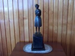Nagyméretű Chiparius bronz szobor: Kalapos hölgy, hibátlan