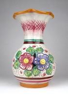 1A632 Régi fodros szélű virágos olasz majolika váza 21 cm