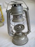 Régi petróleum lámpa viharlámpa üvegbúra nélkül