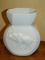 Kaiser elefántos váza.