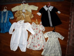 12 darab régi játékbabákra való ruha egyben