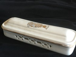 HÜTTL Tivadar: Porcelán piperedoboz - nemesi koronával