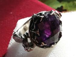 Hatalmas ezüst gyűrű ametiszt kővel
