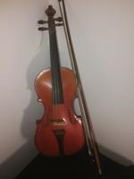 Gyermek hegedű, vonóval