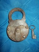Nagyméretű antik vas lakat kulcsal 14cm