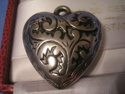 Ezüstözött szívmedál zománcberakású  4 cm ritkaság