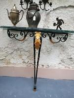 Kovácsolt lábú  fal konzol.Csiszolt üveg  asztal tétje. Art deco. Olaszország.