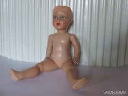 Régi kemény műanyag vagy bakelit baba