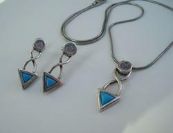 Türkiz és ametiszt köves modern ezüst szett, nyaklánc, fülbevaló