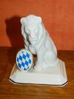 Német porcelán oroszlán.