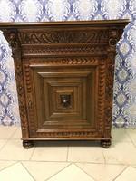 Antik bútor - reneszánsz komód