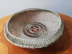 Egyedi ezüstös vékony lemezből halított kosárszerű tálka antik bécsi vásárfia