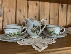 12 személyes, vadász motívumos egyedi Zsolnay étkészlet, kávés és teás készlet tálalókkal.