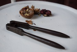 Diótörő kovácsoltvas