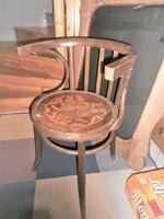 3 db kölönböző thonet szék